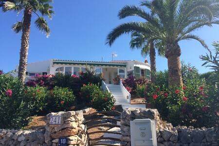 Superb 3bed villa,amazing location! - Binibeca