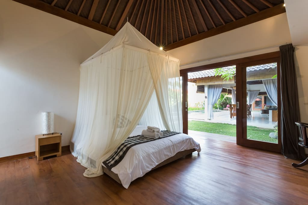 Guest room 3, large bed with mosquito net, garden view