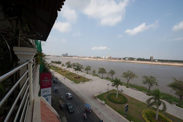 Cadillac Riverview Apartments - 1 - Phnom Penh - Apartment