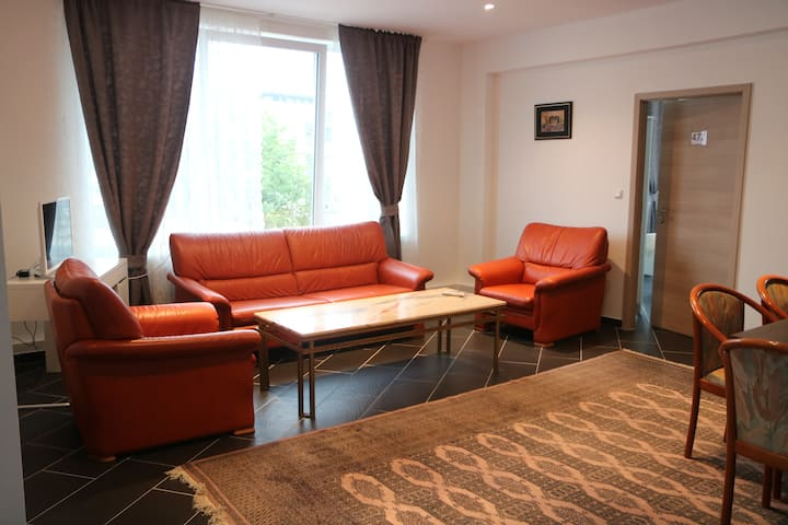 6 Bed Spacious Lounge Kröpcke Luxury Apartment