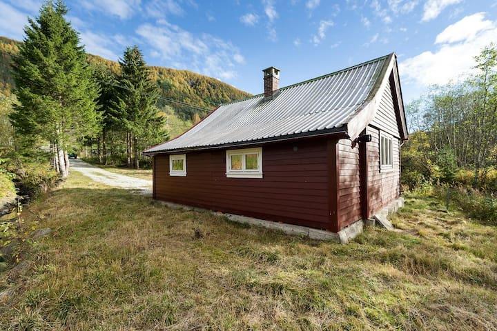 Hytte i nedre del av Myrkdalen - Voss - Cabana