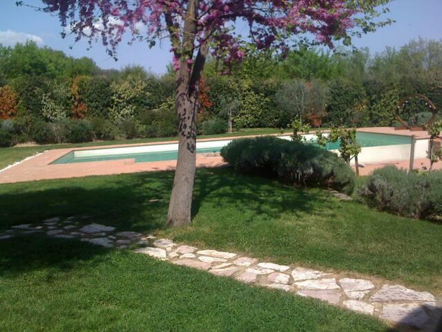 Villa la Quercia, via Assisana 44/h - Pérouse - Villa