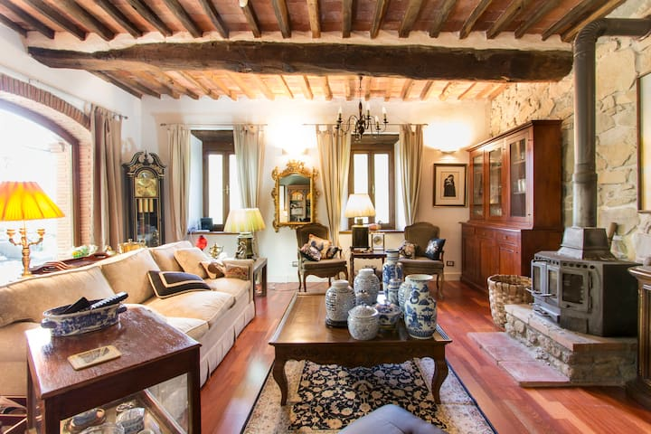 Beautiful Villa with Pool & Views - Bagni di Lucca