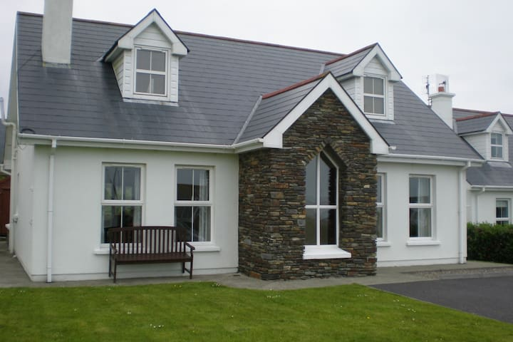 11 Cape View, Schull, West Cork, Ireland