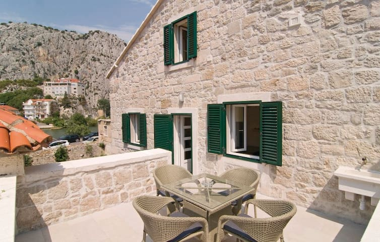 Mirabella apartment - Omis, Croatia - Omiš - Appartement