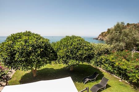 Villa in riva al mare - Bonifati
