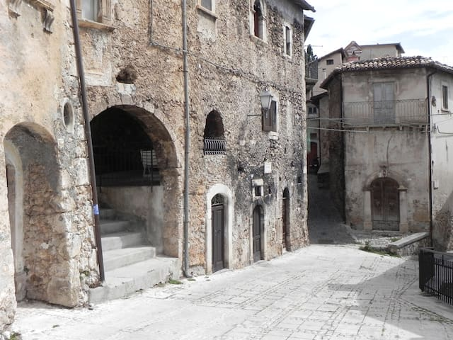La Casa sotto l'ARCO - Calascio - Apartment