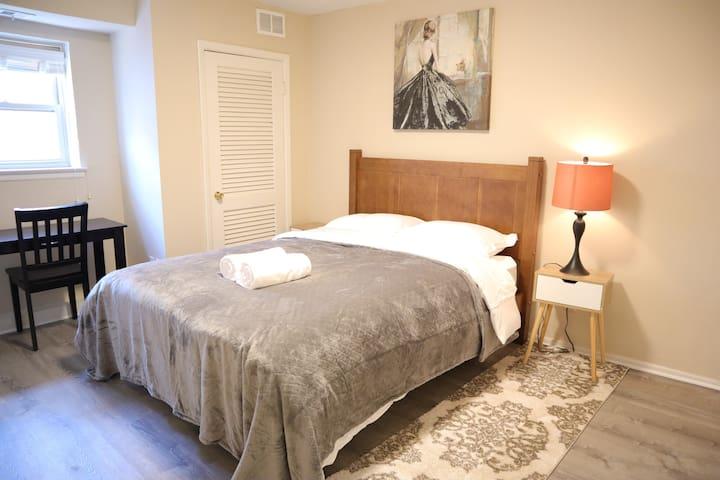 Villa 202-Cozy&Roomy heart of Center City APT