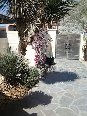Serenity   casita $115-$125 - Desert Hot Springs - Villa