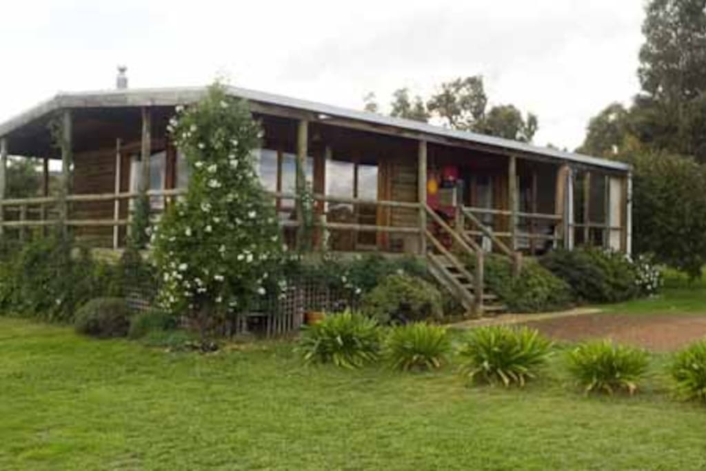 Wongabeena Cottage Houses For Rent In Mansfield Victoria Australia