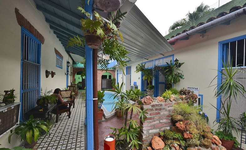 Patio Hostal - Restaurante La Casona Jover