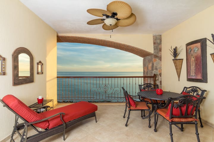 Sonoran Sky 1506 Shore To Please Penthouse 1 BR Oceanfront Condo