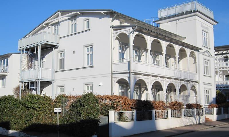 4-Sterne Appartement in einer Villa Concordia - Binz - Daire