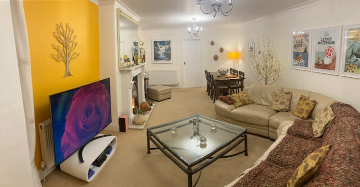 Gorgeous, spacious apartment for 4 in Ambleside!