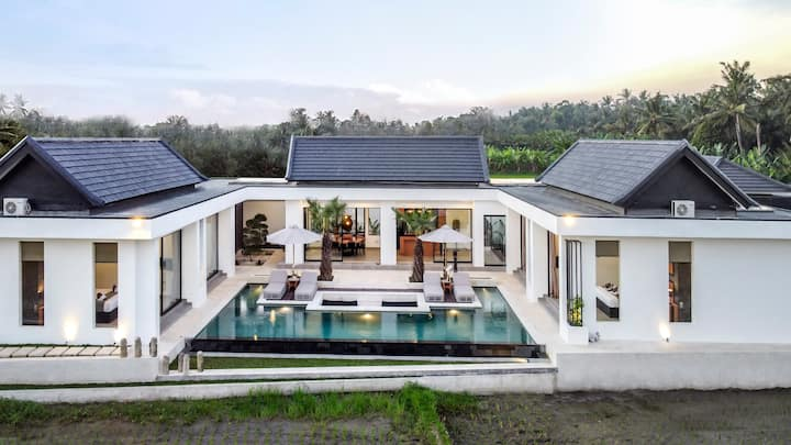 Amazing -70%- New & stylish 4BR villa w rice-fields view