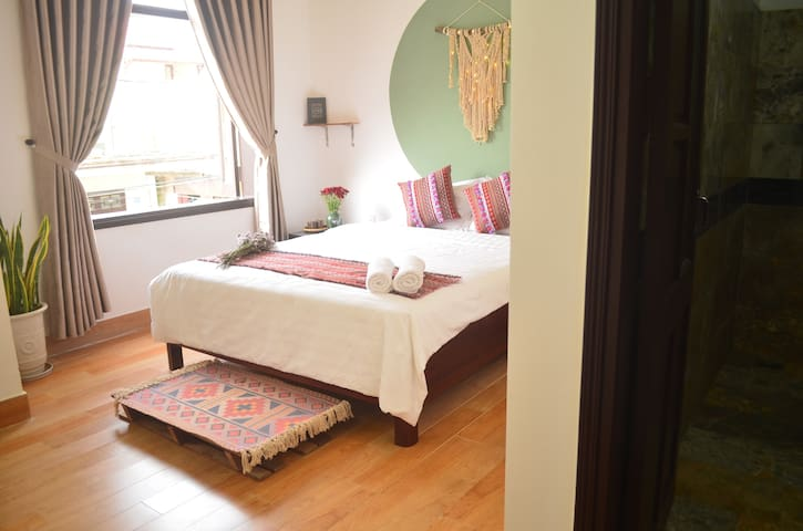 Charming life Double bed★Night Market St★Breakfast