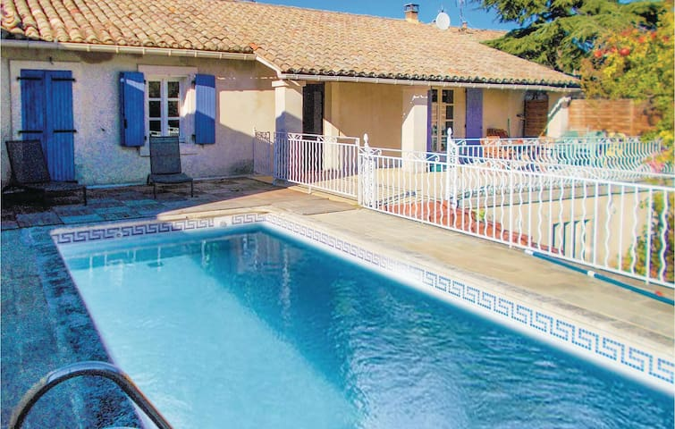 Semi-Detached with 3 bedrooms on 145 m² in Robion