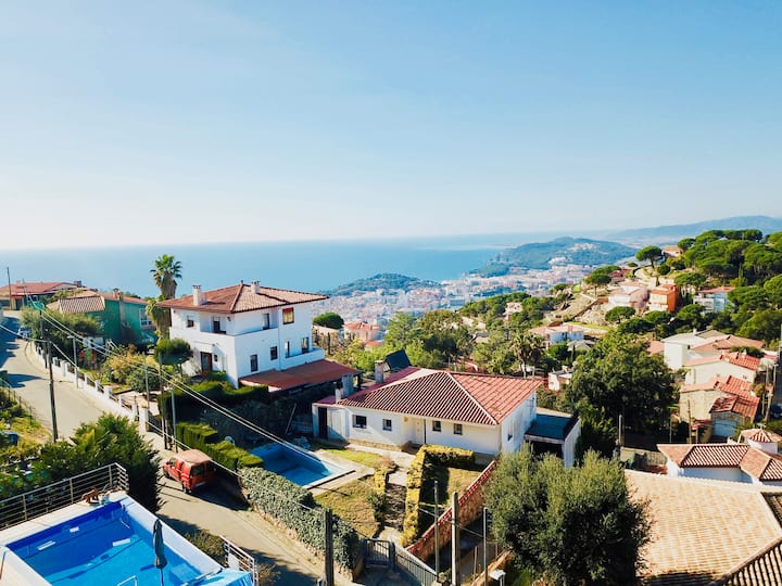 Luxury villa Investingspain with sea views, pool and jacuzzi