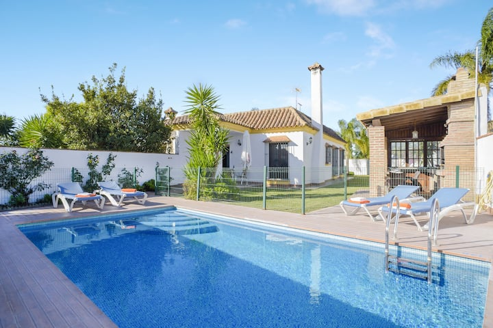 Tranquil Home Casa Villanueva 2 with Pool, Terrace, Garden,  Air Conditioning & Wi-Fi; Parking Available
