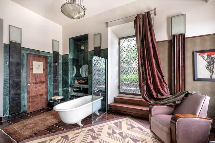 Paris Suite, terrace&bathtub, Castle in Old Town