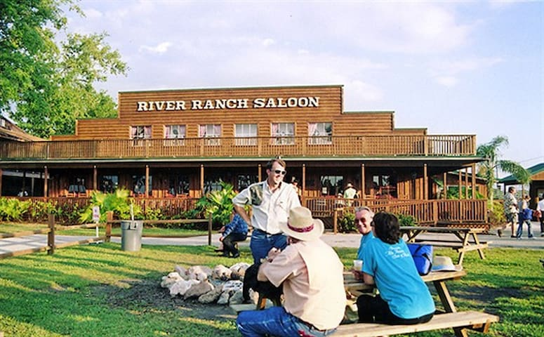 Westgate River Ranch $105 a night live Rodeo - River Ranch - Wohnung