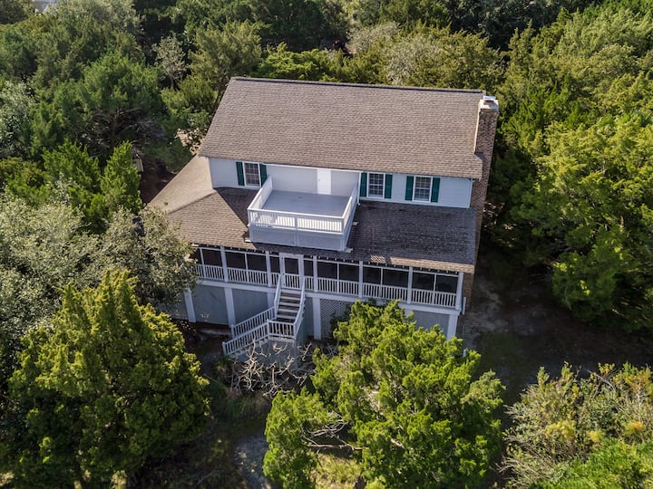 Tabby Lane, 5BR/5BA Creek Front Beach House