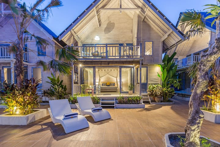 SEMINYAK BEACH HUT, BIG POOL (LONG-TERM AVAILABLE)