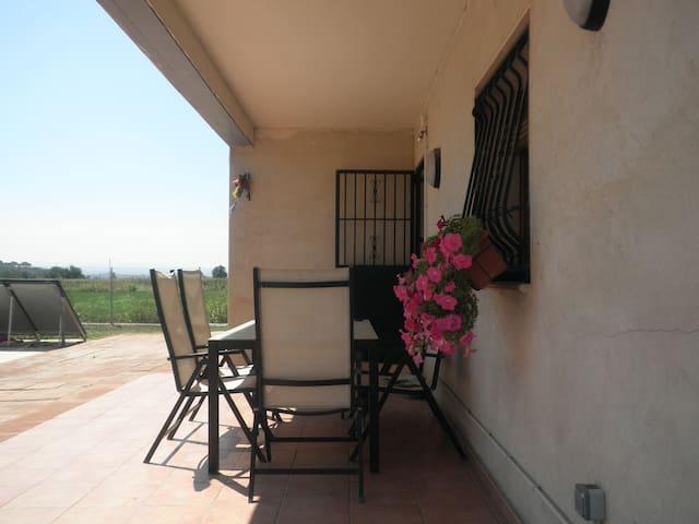 Habitacions privades casa al camp criteris ecolog - Lleida - Bed & Breakfast