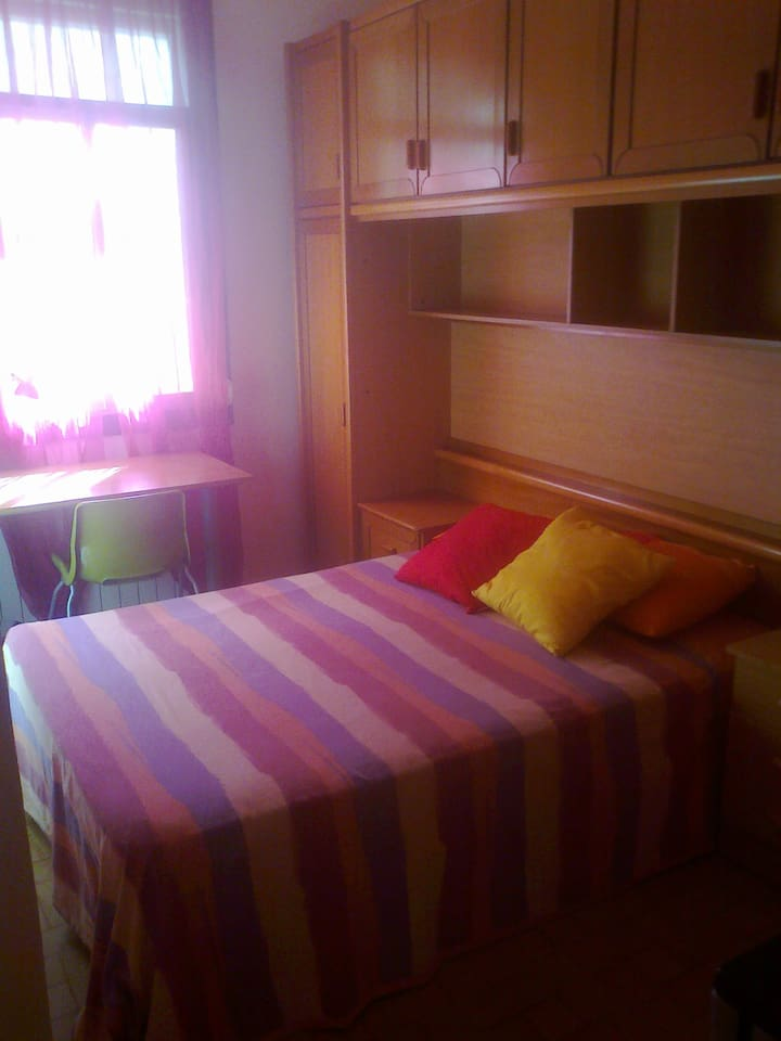 SPACIOUS AND COMFORTABLE ROOM, to feel like home