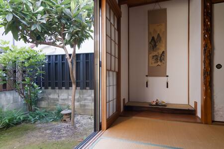 Tatami room courtyard traditional house/6 min st.