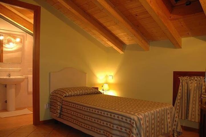Camera singola - Villafranca di Verona - Bed & Breakfast
