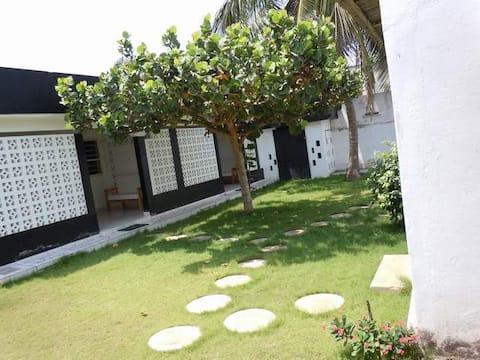 Logement indépendant avec jardin /2