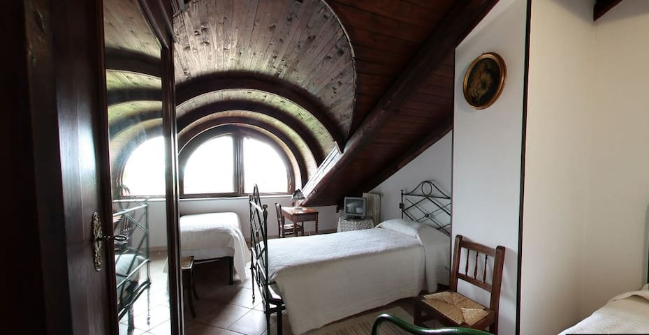 Agriturismo La Ca 'd Majin - Tarassaco - Poirino - Bed & Breakfast