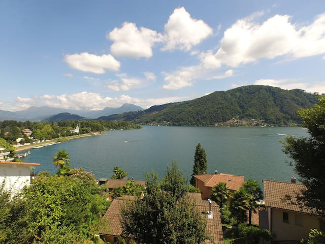 APARTMENT WITH LAKE VIEW - Caslano - Apartemen