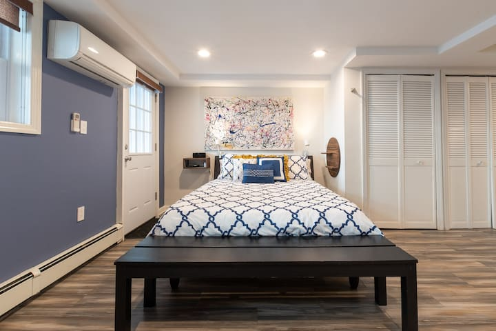 On this comfy Performa Sleep Queen sized mattress, you'll be able to sleep and rest after a long day of sightseeing. Plus the wall unit AC/Heater will keep the suite at the perfect temperature.