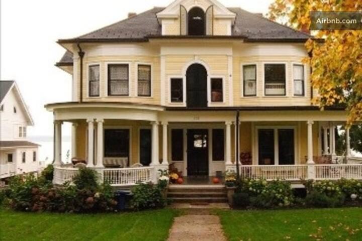 Lyon Mansion House 331 Main Street