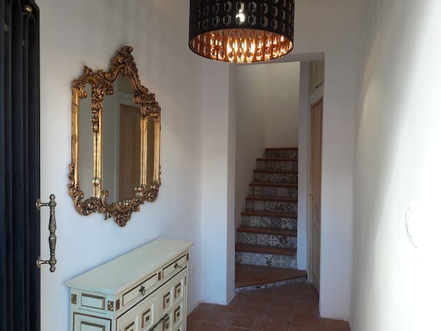 Lovely Triple room near subway & near center - Madrid - Byt