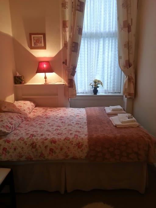 Cute little room (very quiet)