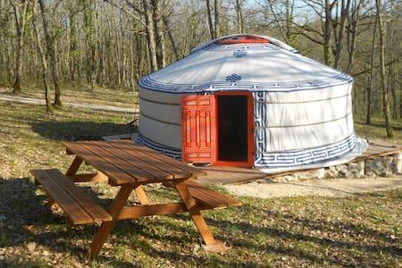 yourtes Mongoles de 2 et 4 places - Yurt