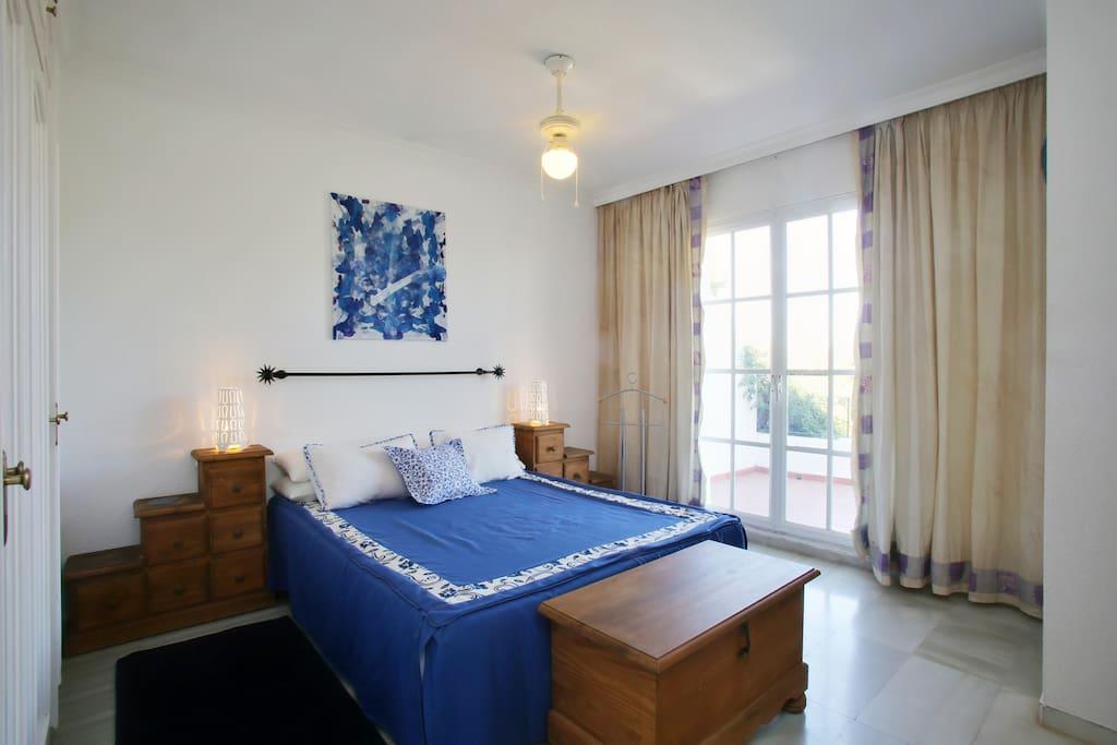 """Dormitorio principal con baño completo y amplia terraza  """" Summer"""""""