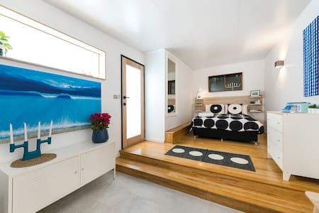 Fremantle Swan River Studio