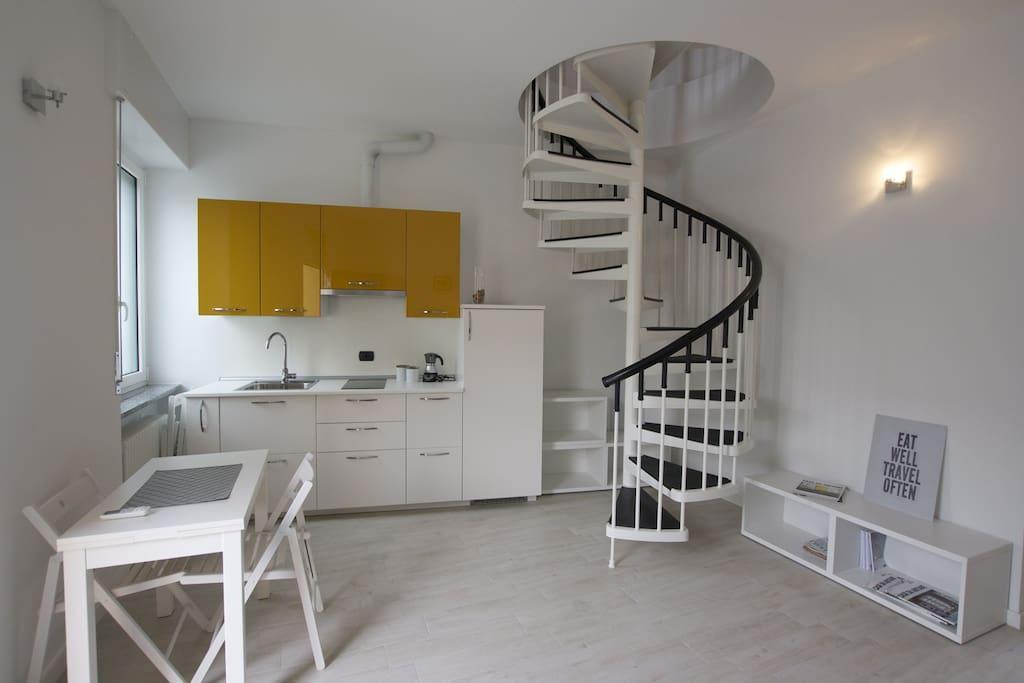 Zona giorno, piano terra. Living room, ground floor.