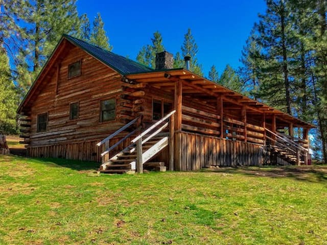 New Frontier Ranch: Lakeview Cabin