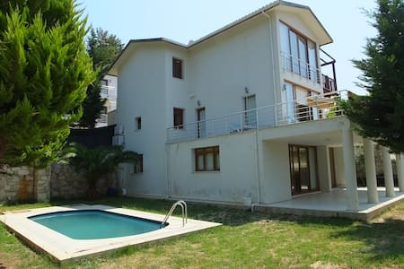 JARVES VİLLAS WITH PRIVATE POOL - Casa