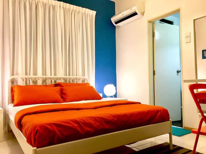 The Room @ Vista Alam (Dual Key Private Entrance)