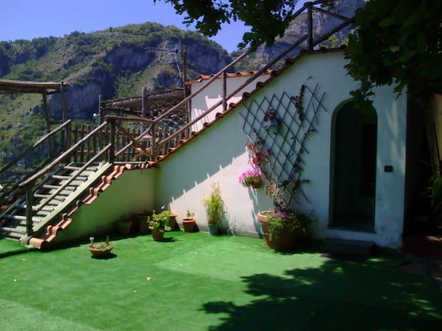 La Casa di Anna nella Roccia - Furore