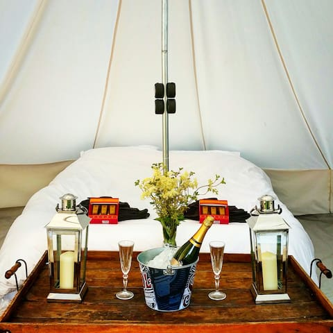 Perfect Romantic Bell Tent Getaway - Ardingly - Telt