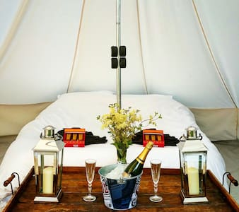 Perfect Romantic Bell Tent Getaway - Ardingly