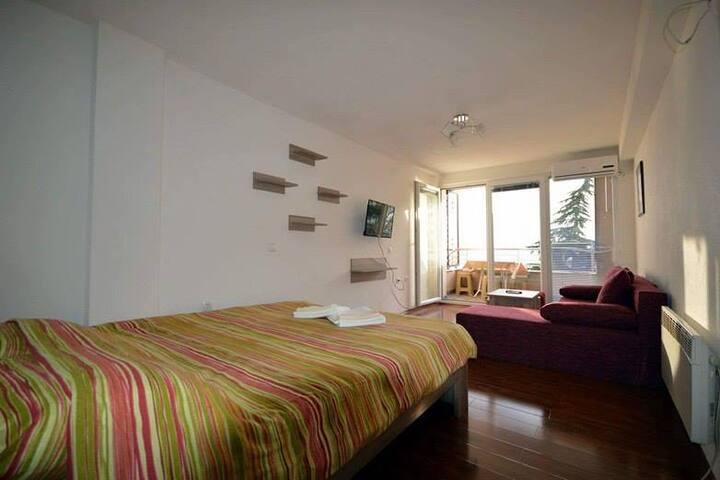 Villa San-Mari, lake- view room
