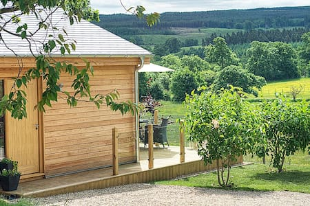 Woodside Lodge Hexham luxury self catering for 2 - Whitley Chapel